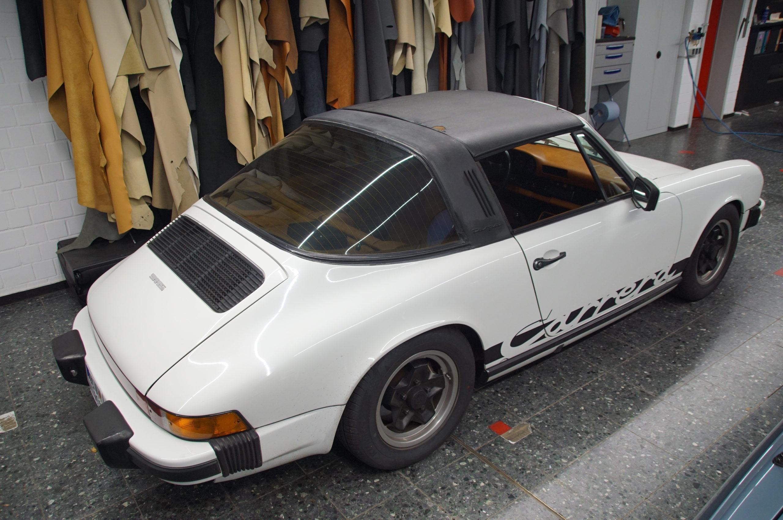 Porsche 911 targadach neu beziehen